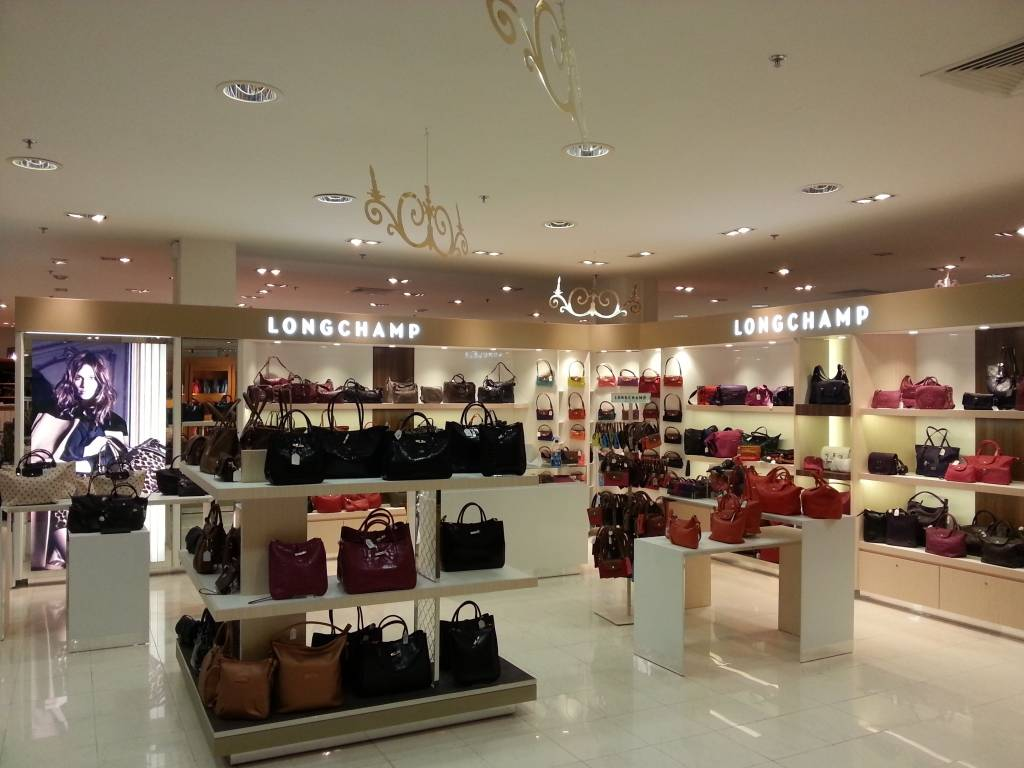 agencement magasin Longchamp la Galleria